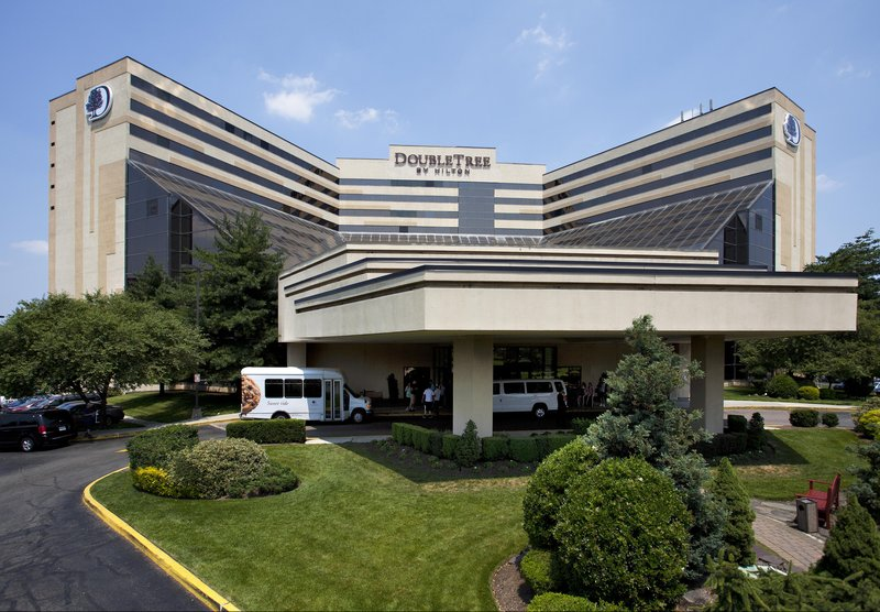 DoubleTree By Hilton Newark Airport