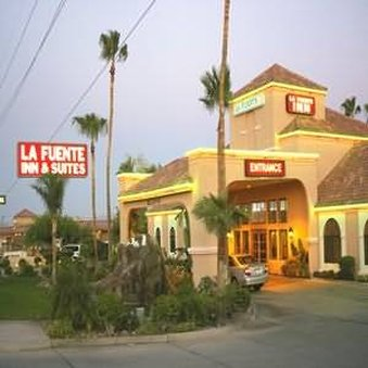 La Fuente Inn And Suites