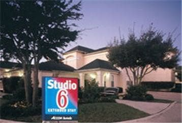 Studio 6 Dallas-Garland Northeast