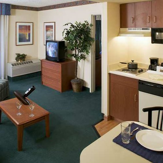 Hampton Inn - Suites Denver-Cherry Creek