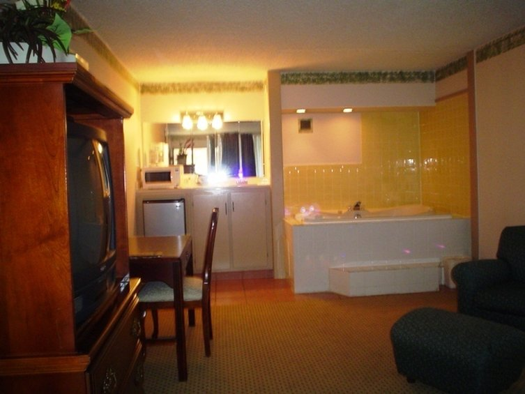 Country Hearth Inns And Suites Columbia