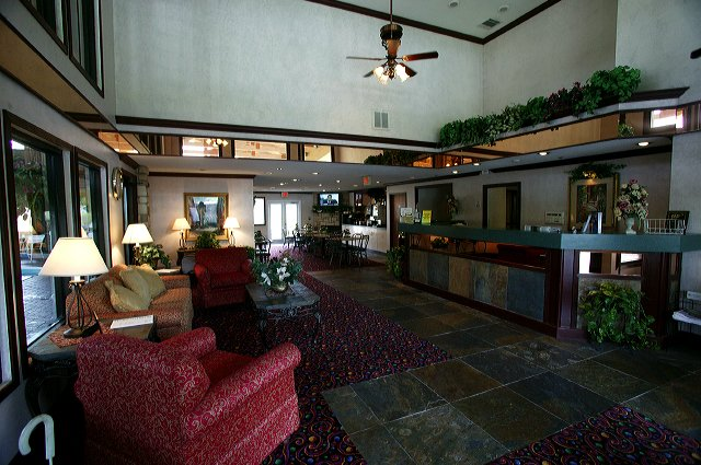 Lady Luck Hotel And Suites
