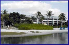 Mariners Boathouse And Beach Resort
