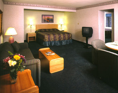 Nob Hill Motor Inn