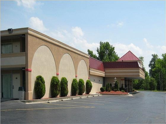 Red Carpet Inn And Suites Muncie