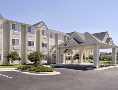 Howard Johnson Inn And Suites-Ashland/Near Kings Dominion