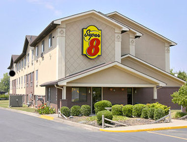 Super 8 Charlotte/Amusement Park Area