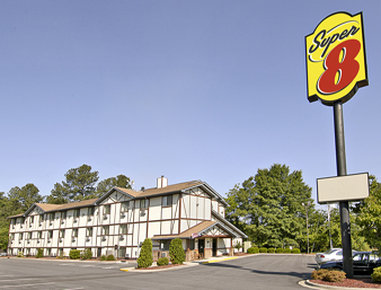 Super 8 Spring Lake/ Fort Bragg