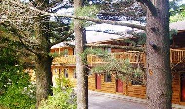 Woodlake Inn