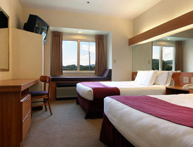 Microtel Inn & Suites By Wyndham Robbinsville