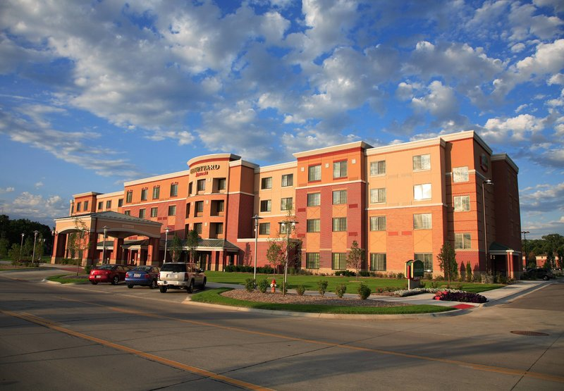 Courtyard Omaha Aksarben Village