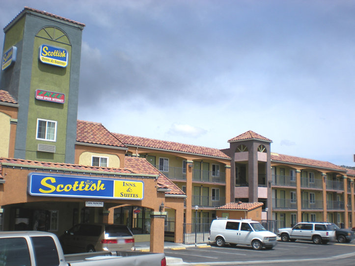 Scottish Inns And Suites Corona