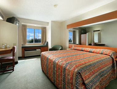 Microtel Inn & Suites By Wyndham Denver