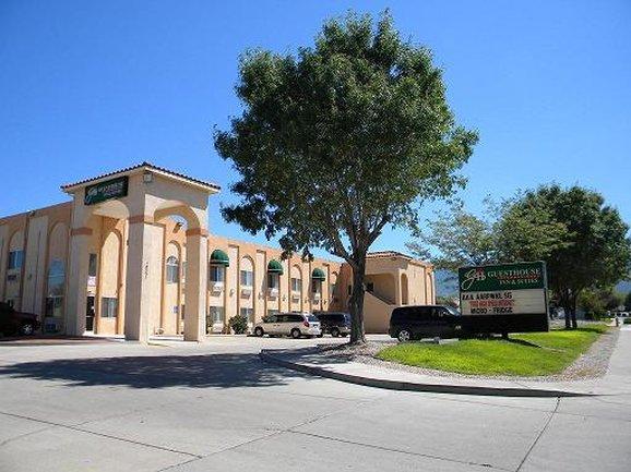 GuestHouse Inn & Suites Albuquerque