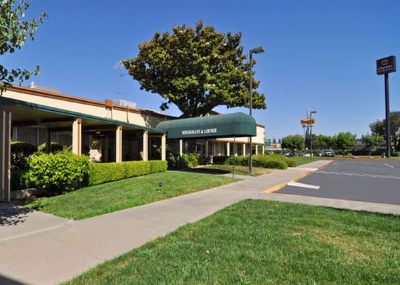 Clarion Inn & Suites Stockton