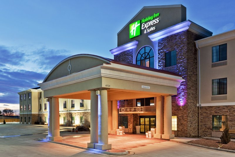 Holiday Inn Express & Suites CLOVIS