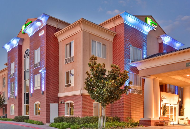 Holiday Inn Express & Suites ONTARIO AIRPORT-MILLS MALL