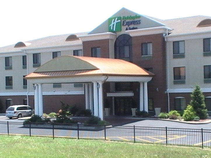 Holiday Inn Express & Suites O'FALLON/SHILOH