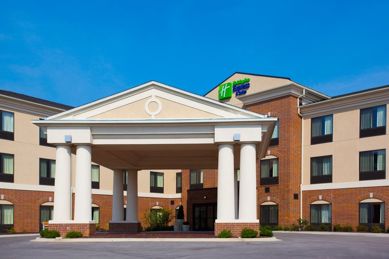 Holiday Inn Express & Suites MORRIS