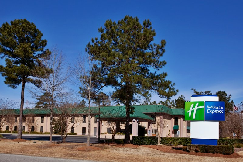 Holiday Inn Express CHARLESTON-MONCKS CORNER