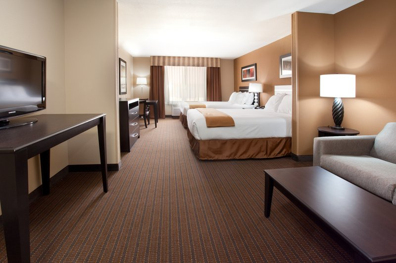 Holiday Inn Express & Suites LAMAR