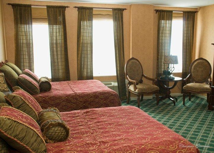 Landmark Inn