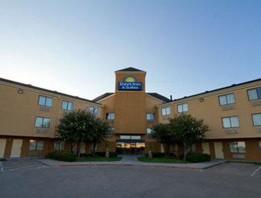 Days Inn & Suites DeSoto