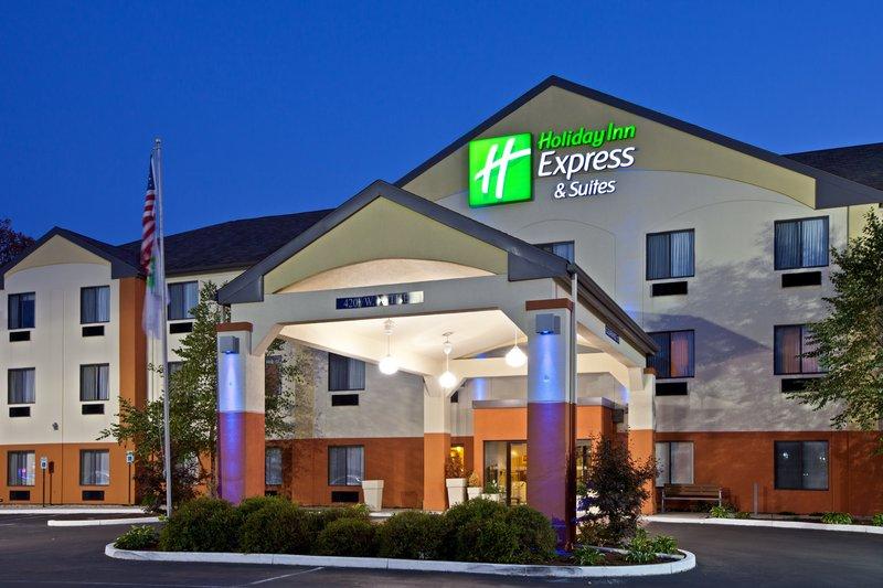 Holiday Inn Express & Suites MUNCIE