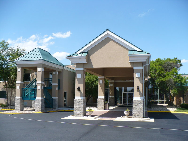 Clarion Inn University Plaza