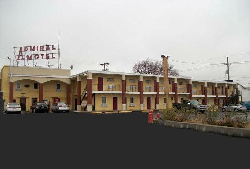 Admiral Motel