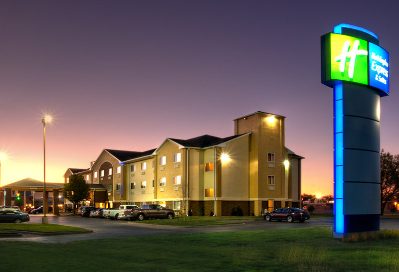 Holiday Inn Express & Suites CANYON