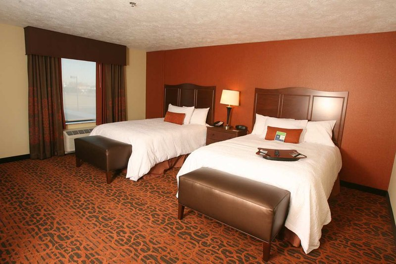Hampton Inn And Suites Fargo