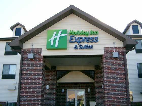 Holiday Inn Express & Suites EMPORIA NORTHWEST