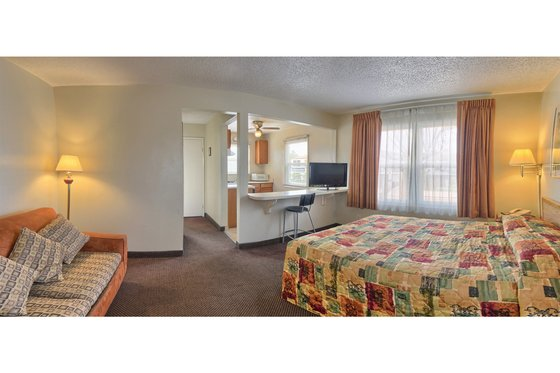Point Loma Inn And Suites