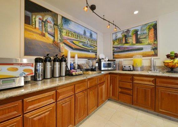 Rodeway Inn & Suites Colton