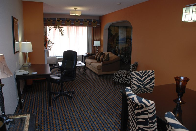 Holiday Inn Express & Suites ASHEBORO