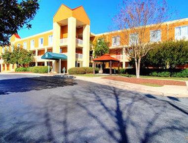 Baymont Inn & Suites Durham