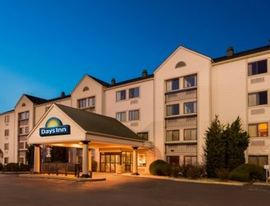 Days Inn & Suites Kansas City South