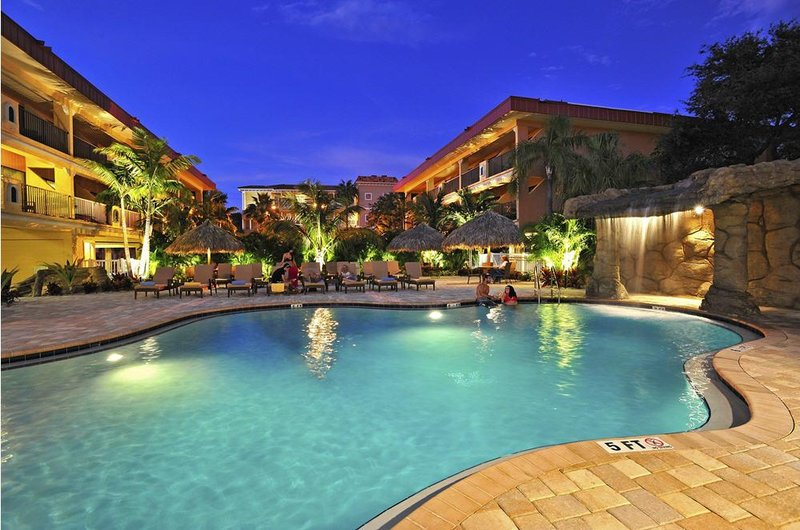 Coconut Cove All Suite Hotel