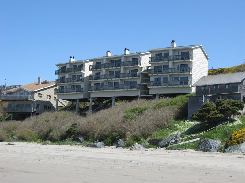 Sunset Oceanfront Lodging