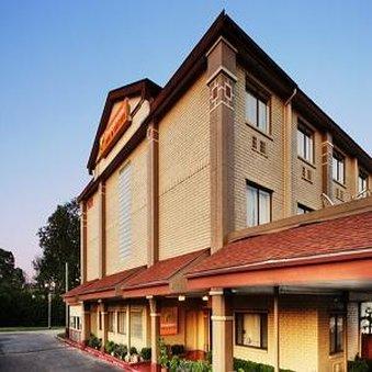 Orangewood Inn  Suites