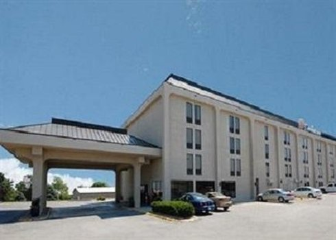 New Victorian Inn  Suites Omaha