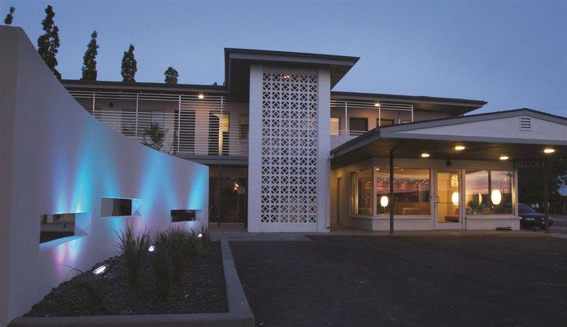 The Modern Hotel