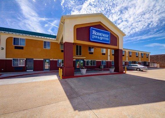 Rodeway Inn & Suites Airport