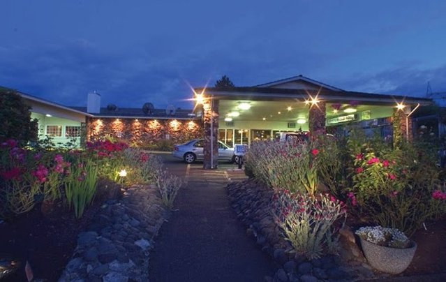 GuestHouse Inn & Suites Eugene / Springfield