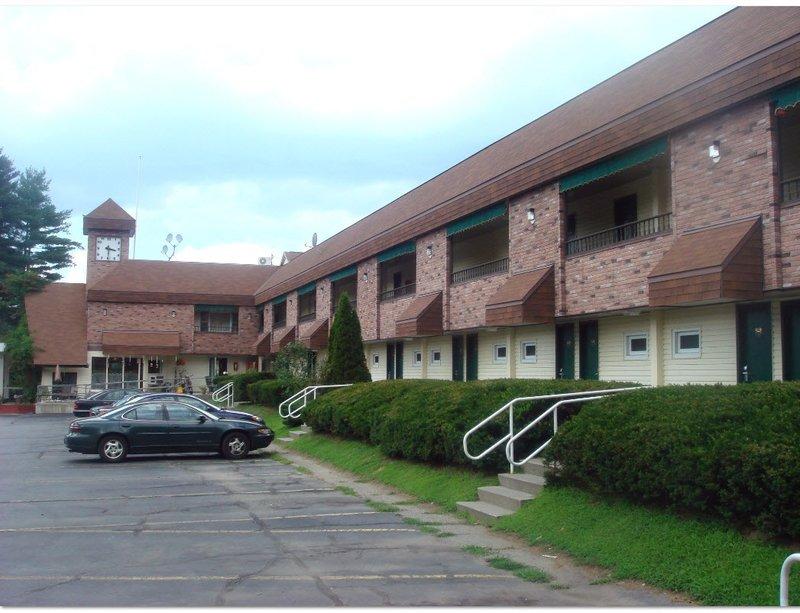 Americas Best Inn Brattleboro