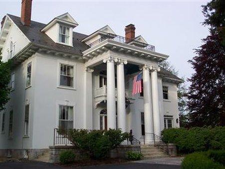 White Hall Manor Bed & Breakfa