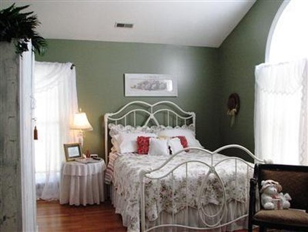 The Hill House Bed & Breakfast