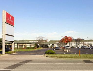 Elk Grove Hotel