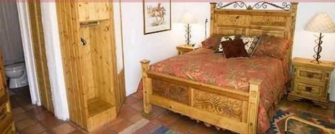 Casa Del Toro Suites BNB